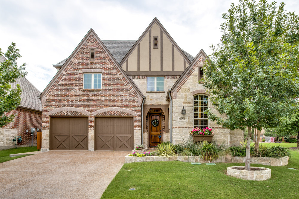 8221 Paisley, The Colony