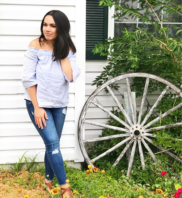 "{{Monday Motivation}} ""If you want something you've never had, then you have to do something you've never done."" 🙌🏼🙌🏼🙌🏼 . . . . . . #monday #mondaymotivation #mondayquotes #mondayinspo #mondayinspiration #motivation #inspo #inspiration #ootdfashion #ootd #stlbloggers #stlstyle #style #styleblog #styleblogger #styleblogger #styleblogging #lifestyle #lifestyleblog #lifestyleblogging #lifestyleblogger #beauty #beautyblog #beautyblogger #beautyblogging #fashion #fashionblog #fashionblogger #momma #mommablogging"