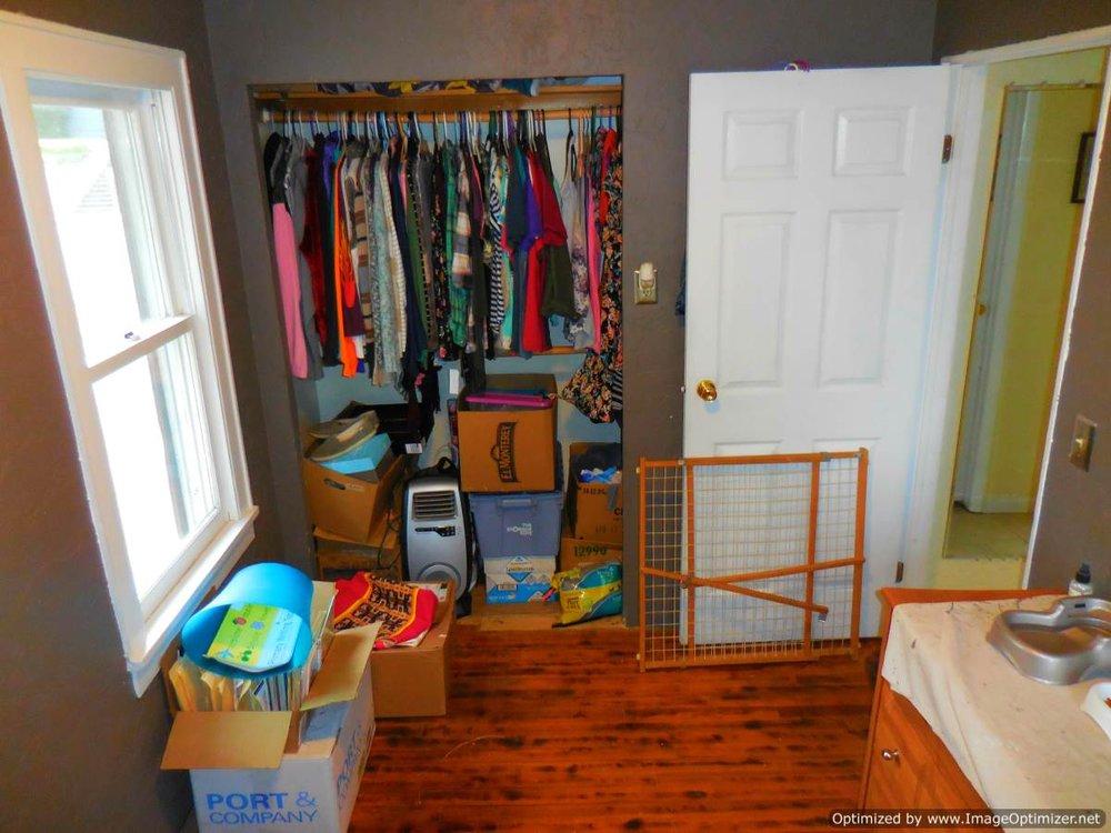 bed 1 closet-Optimized.jpg