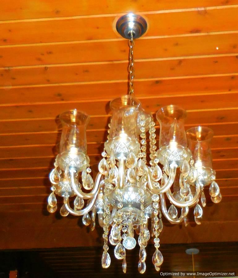 chandelier 2-Optimized.jpg
