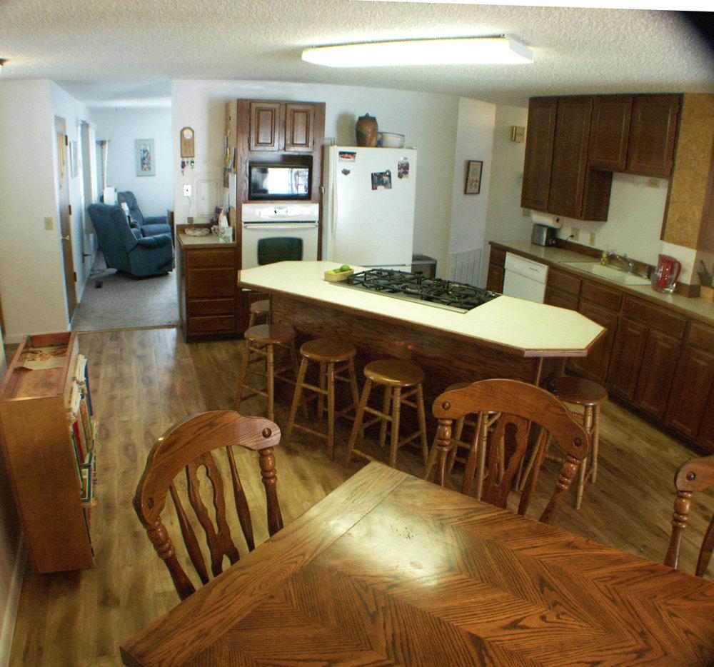 kitchendingin2.jpg