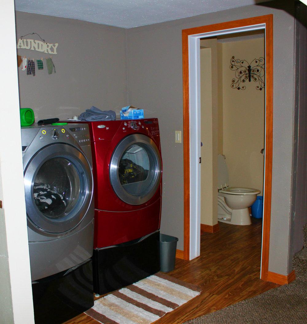 laundry  bath.jpg