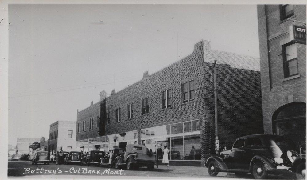 Buttrey's Dept Store building c 1935.jpg