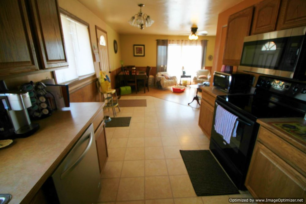 kitchen dining-Optimized.jpg