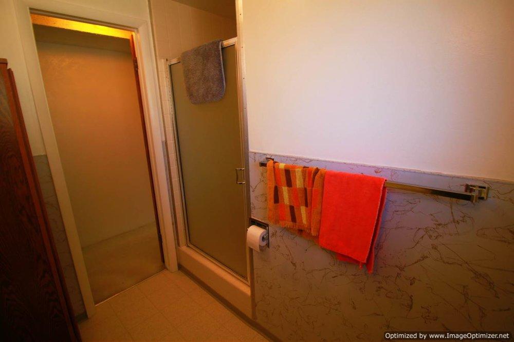 basement bath b -Optimized.jpg
