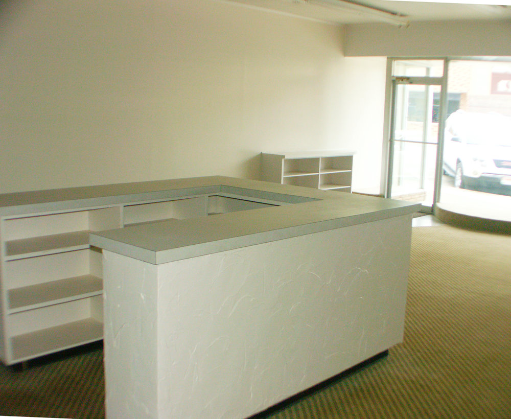 deskb.jpg