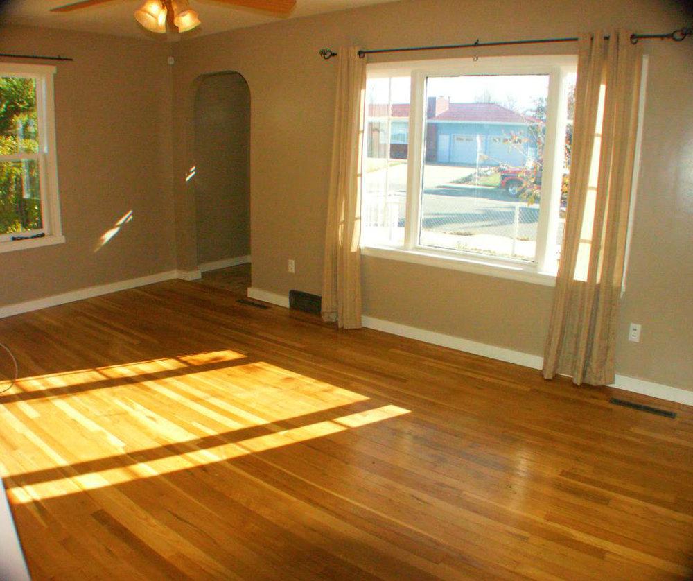 living room-Optimized (2).jpg