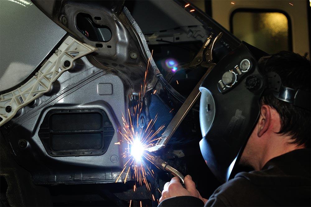 Depositphotos_93442358_l-2015 welding - small.jpg