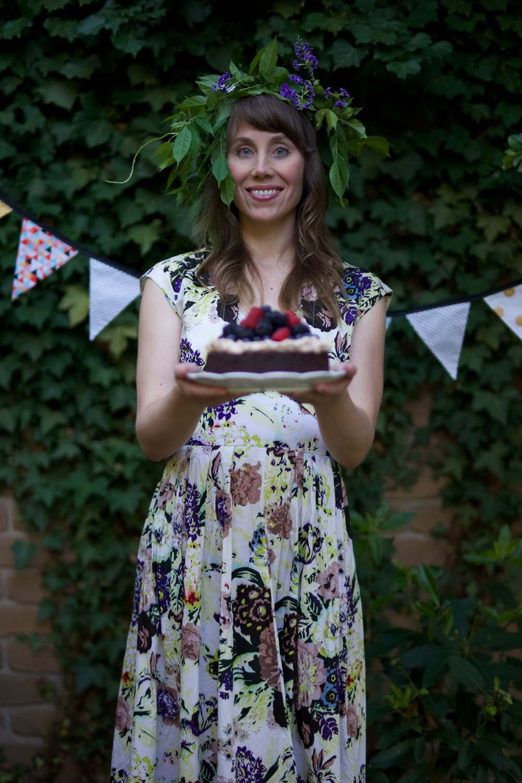Susanna and cake