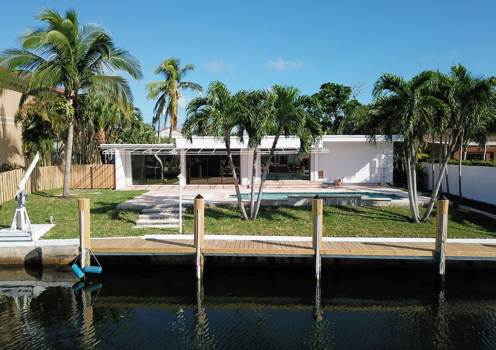 Miami waterfront real estate -