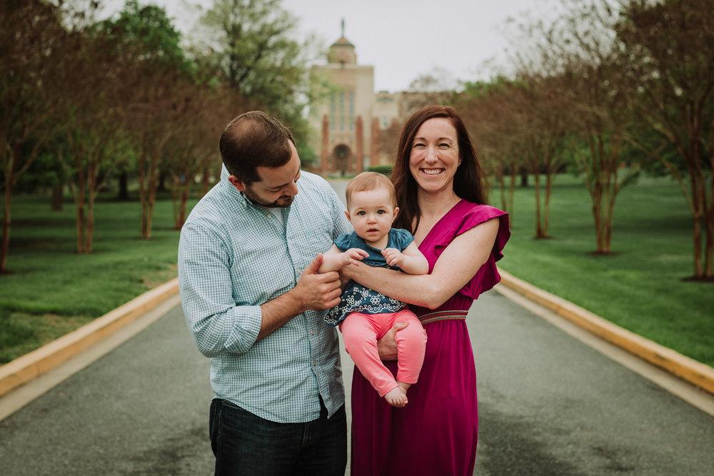 outdoor family photoshoot in washington dc