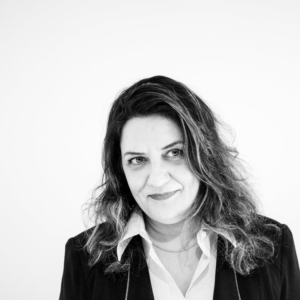 Azadeh RezaeiAdjointe à la comptabilité -