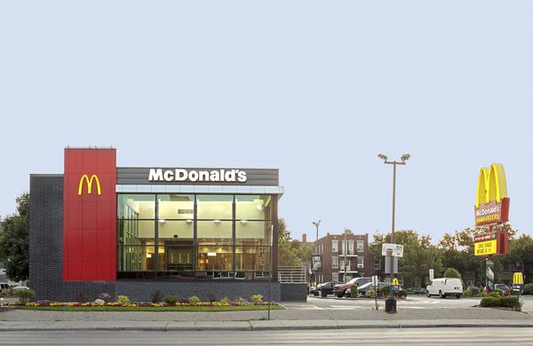 McDonald Saint-Laurent Montréal