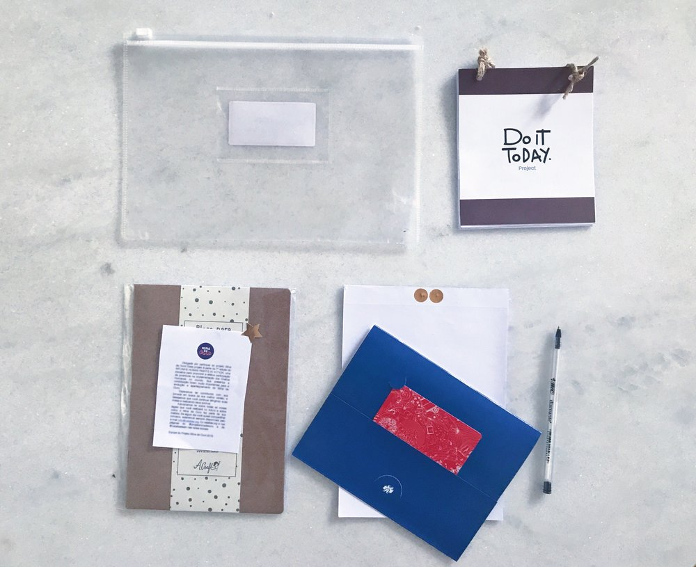 Here we have the basic materials each of the girls received to help with the process: A clear folder, a pen, a note pad and the Do it Today booklet. On the last day of the project every girl will receive a craft paper daily planner for their future goals and plans, and the ones that achieved their goal at the end of the workshop will be rewarded with a blue envelope containing a gift card from a local bookshop.