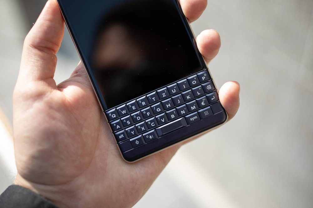 blackberry-key-2-two-le.jpg