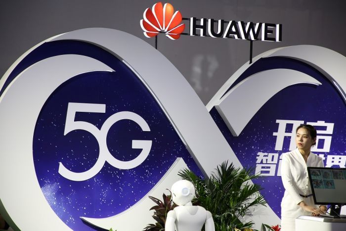 PHOTO:  The Federal Government banned Huawei from taking part in the rollout of the 5G mobile network. (Reuters)