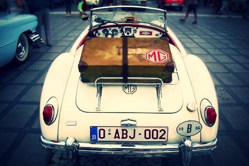 restauratie MG - bij Automobielbedrijf Theo Koelman