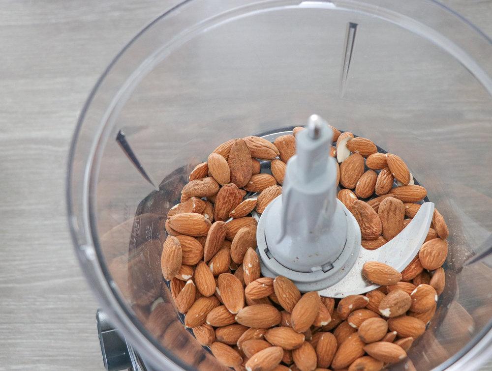 Almonds granola bars www.lindahaggh.com.jpg