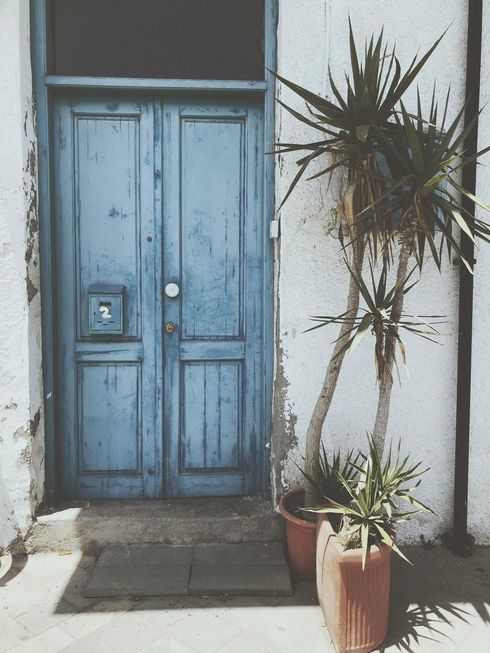 blue www.lindahaggh.com.jpg