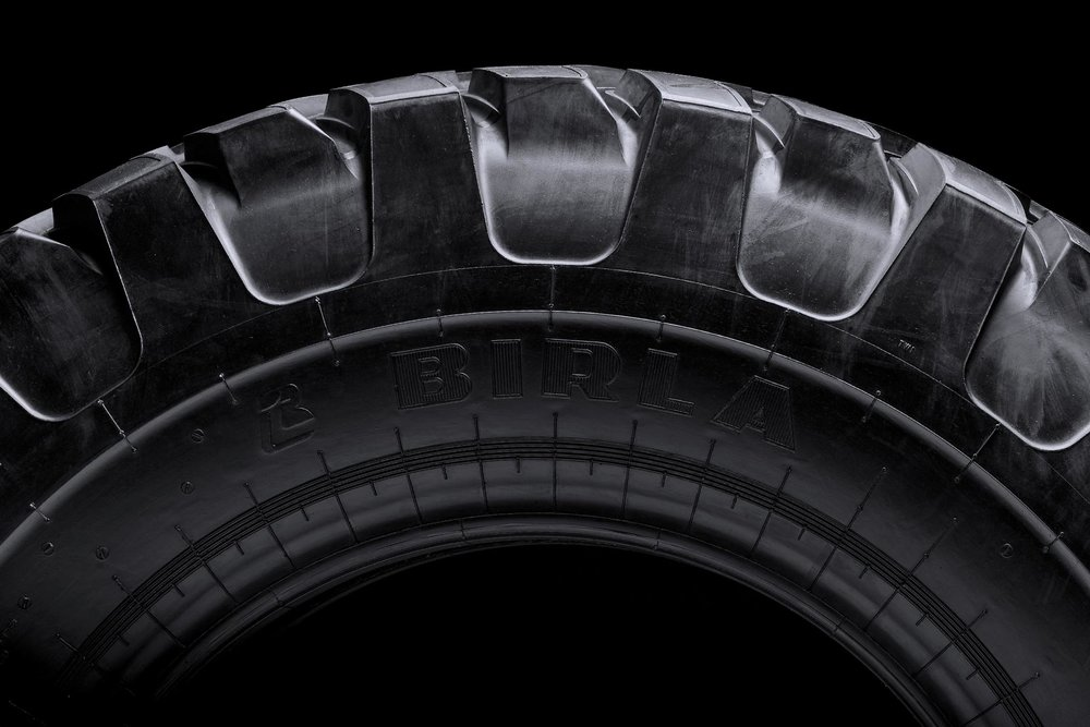 Kalpatthar Plus tyre – side view