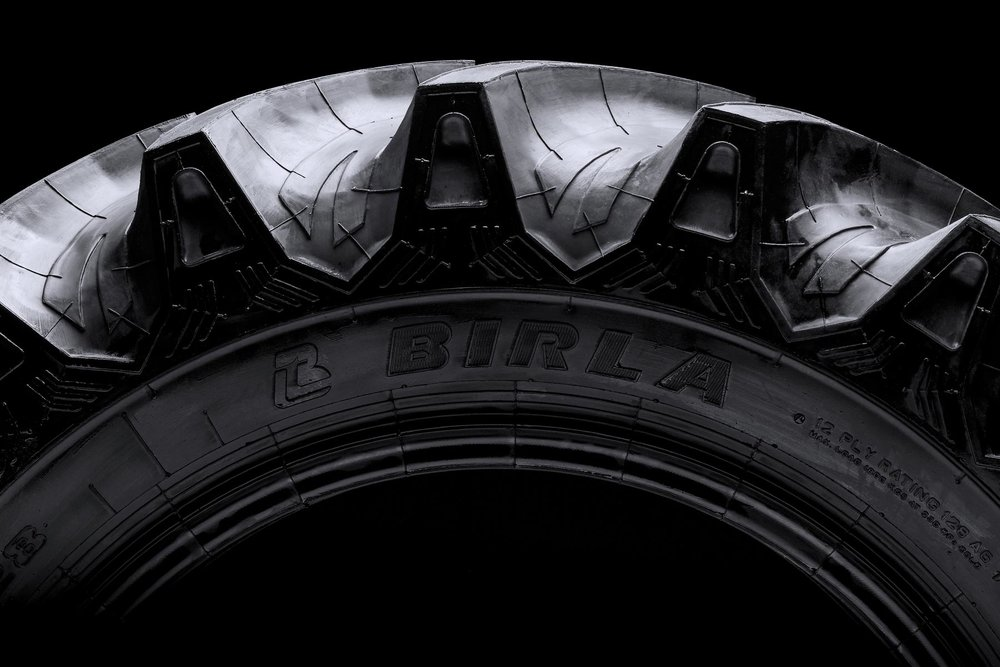 Farm Haul Platina close-up – High performance front farm tyre