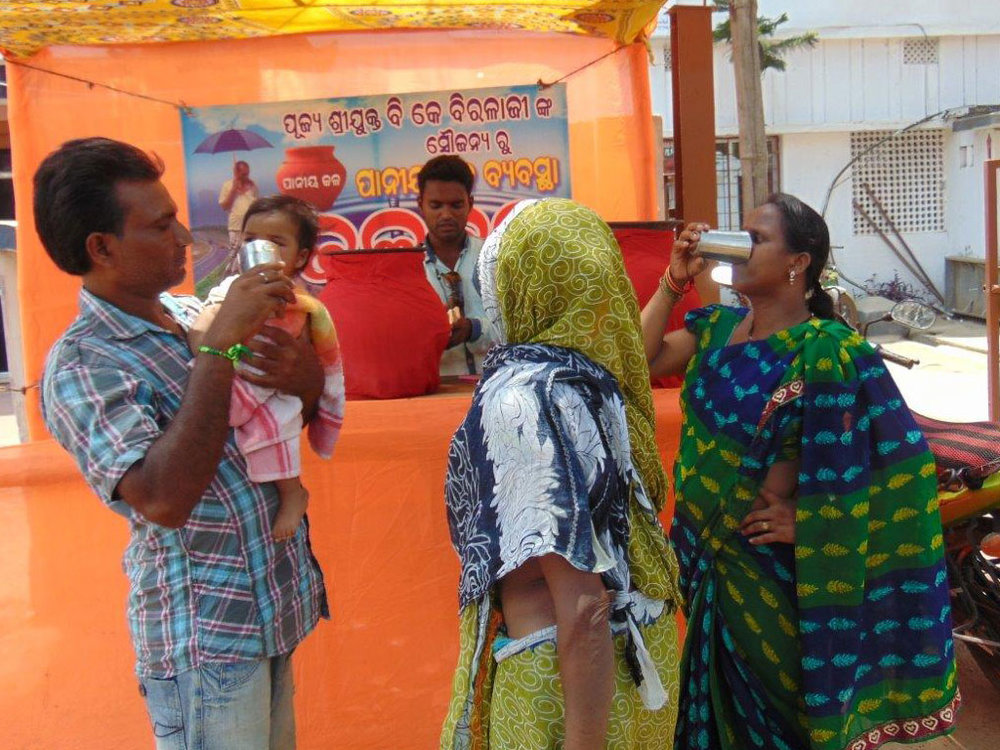 Birla-Tyres-CSR-Activities-Drinking-Water-2.jpg