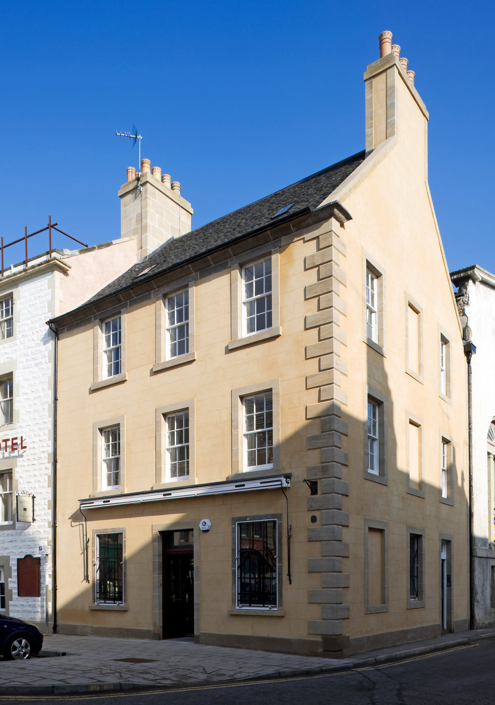 Conservation of historic cabinets, shopfittings and windows. Removal, storage, installation. Haddington High St.