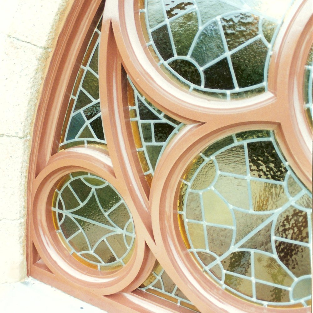 Replacement rose window, Scottish Episcopal Church Iona, Utile, leaded glass repaired.