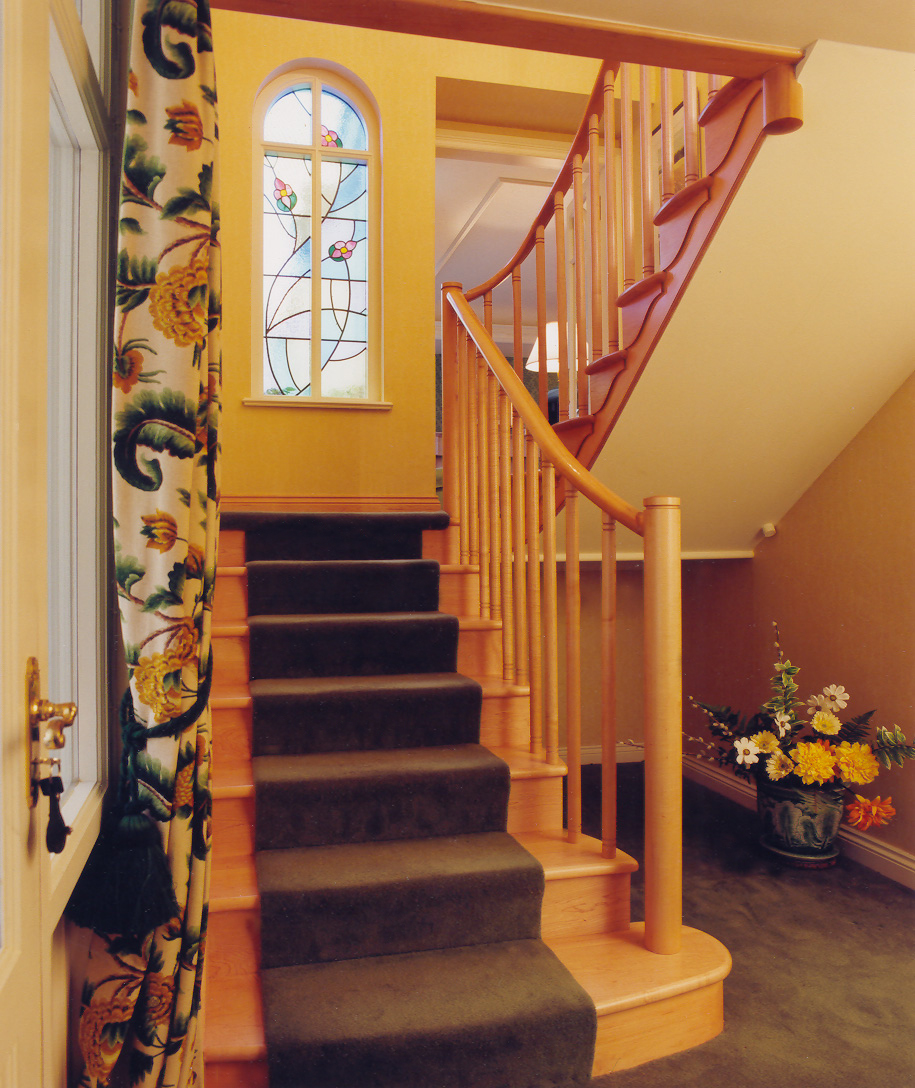 Contemporary staircase in maple, Pencaitland.