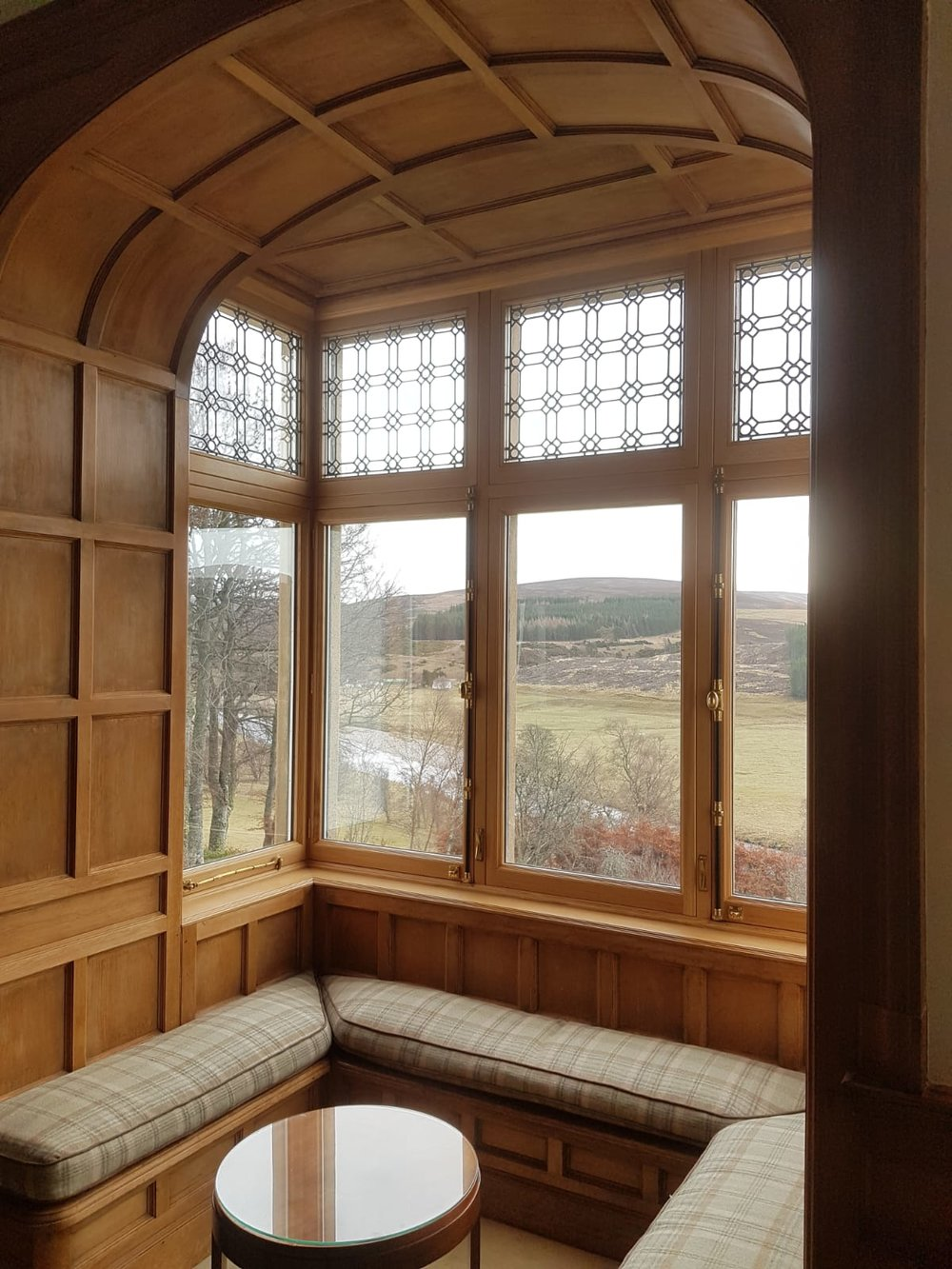 Replacement double glazed, oak framed windows for a period house in Inverness-shire. Existing leaded glass restored and reinstated.