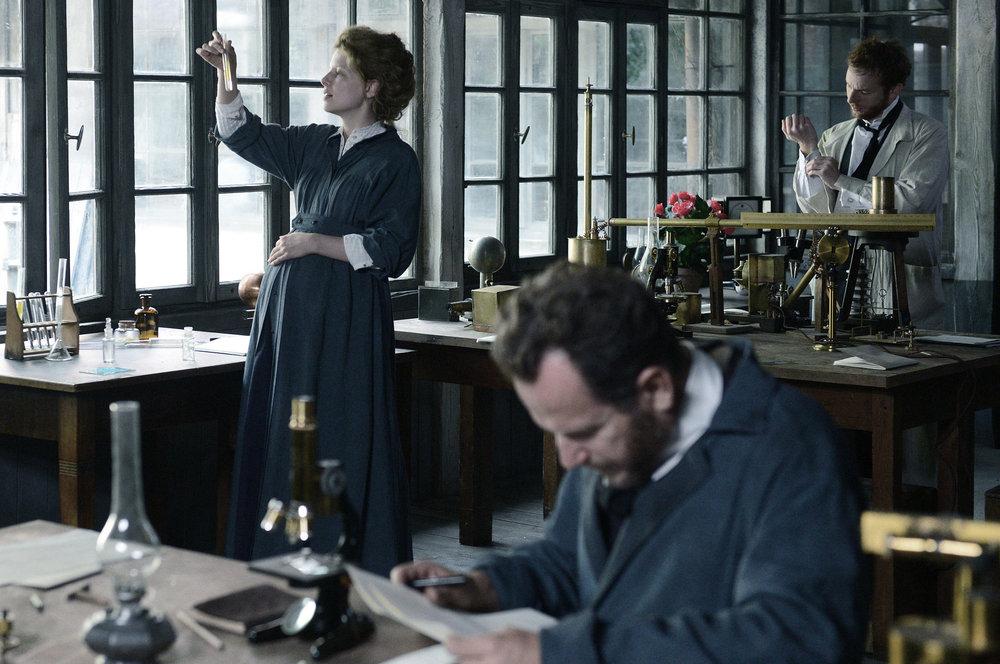 Marie Curie.jpeg