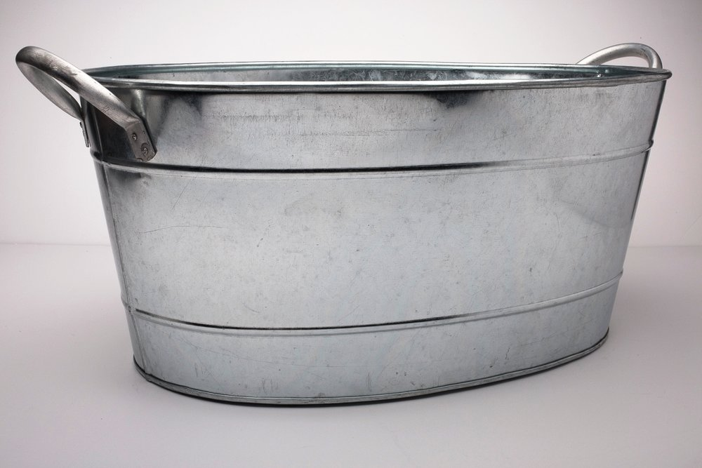 Metal Ice Tub