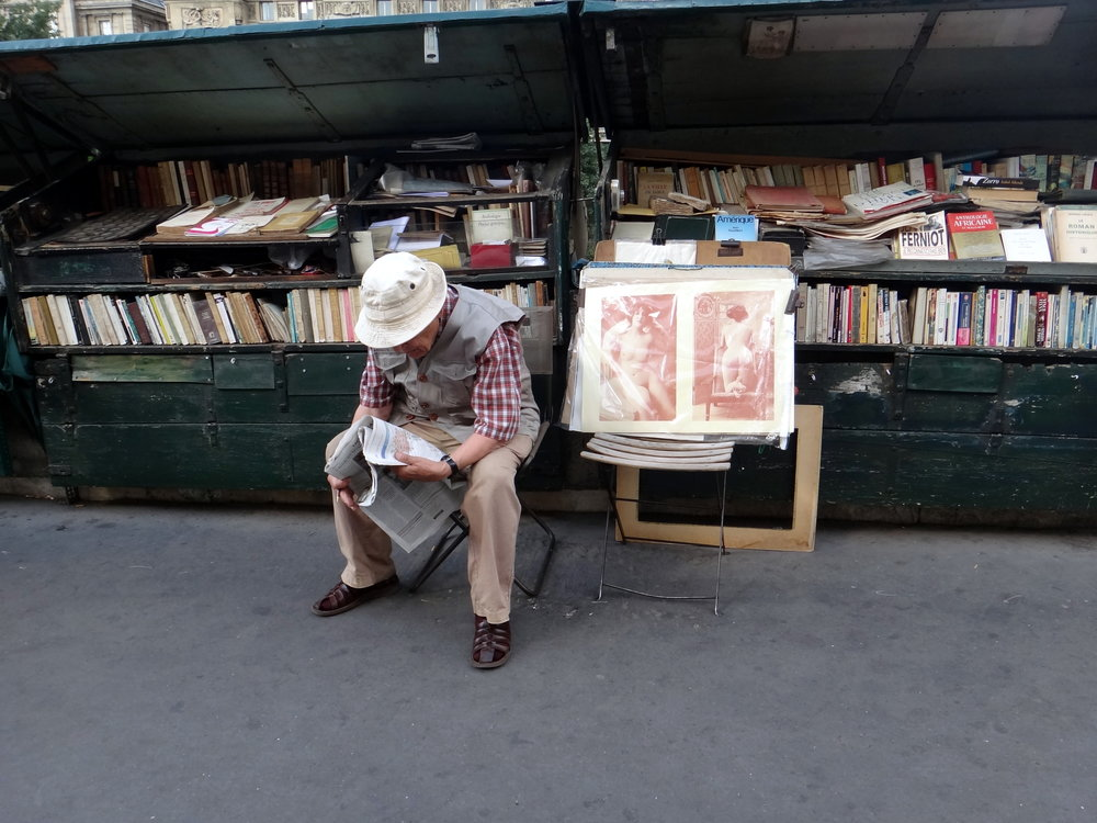 photo credit: Carolyn Marquardt / Paris street seller