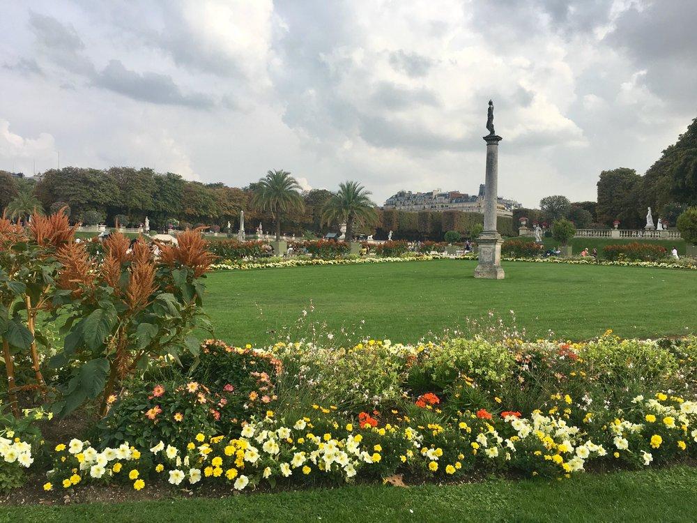 Paris still in bloom, in September