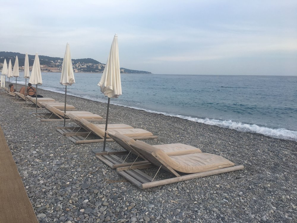 Beach of Nice, France ; My ideal method of sightseeing