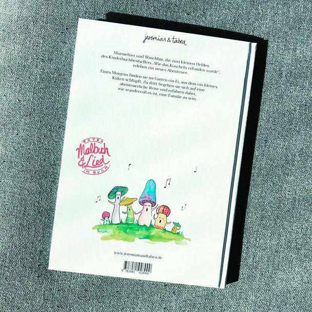 """Zu unserem neuen Buch """"Wir sind die Familienbande"""" gibt es auch ein Lied - Text, Noten und einen Link zum Anhören findet ihr im Buch. Und dann: laut mitsingen 😮🎶 👉👉👉 VORVERKAUF auf familie.jeremiasundtabea.de"""