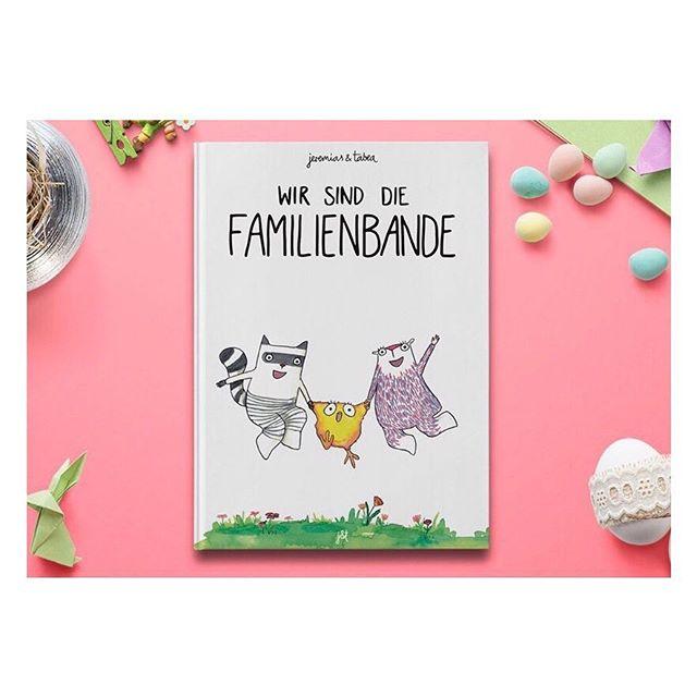 """🐰 Überraschung! 🐣 Als kleines Oster-Special haben wir eine limitierte erste Auflage unseres neuen Buchs """"Wir sind die Familienbande"""" drucken lassen! Alle unsere Leser und Follower können es jetzt - schon vor offiziellem Erscheinen - hier bestellen: 💚 👉familie.jeremiasundtabea.de 💚 — so lange der Vorrat reicht — . FROHE OSTERN! :)"""