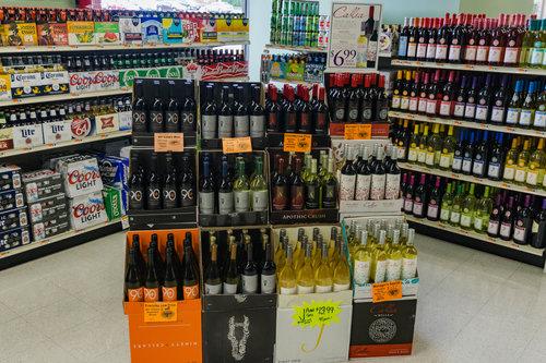 Big Bunny Market_Beer & Wine