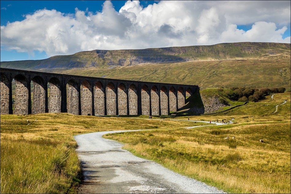 Whernside and viaduct.jpg