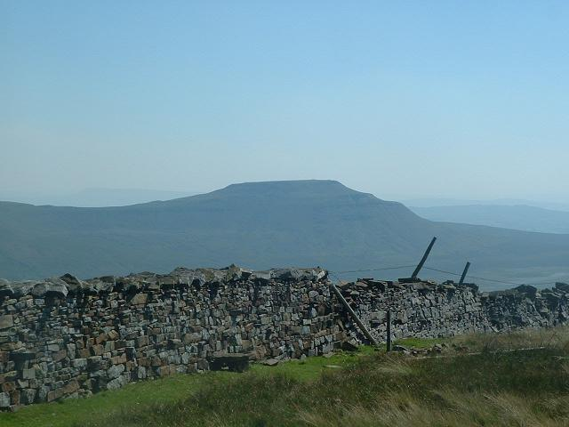 Ingleborough (1).JPG