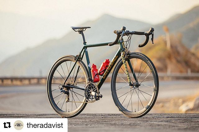 Damn.  #Repost from @theradavist ・・・ @teamdreamteam, @maviccycling, @envecomposites, and @eecycleworks pulled together one sick @ridecannondale Super Six Evo Hi-Mod with @devontsunostudio graphics. Learn more about this project and its limited numbers at #theradavist this morning.