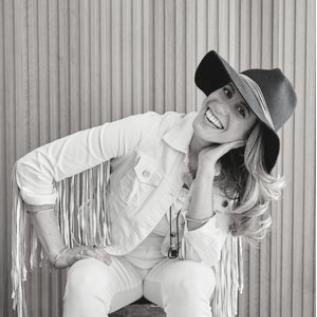 JOANNE STONE - Instagram: @joannestonedesign