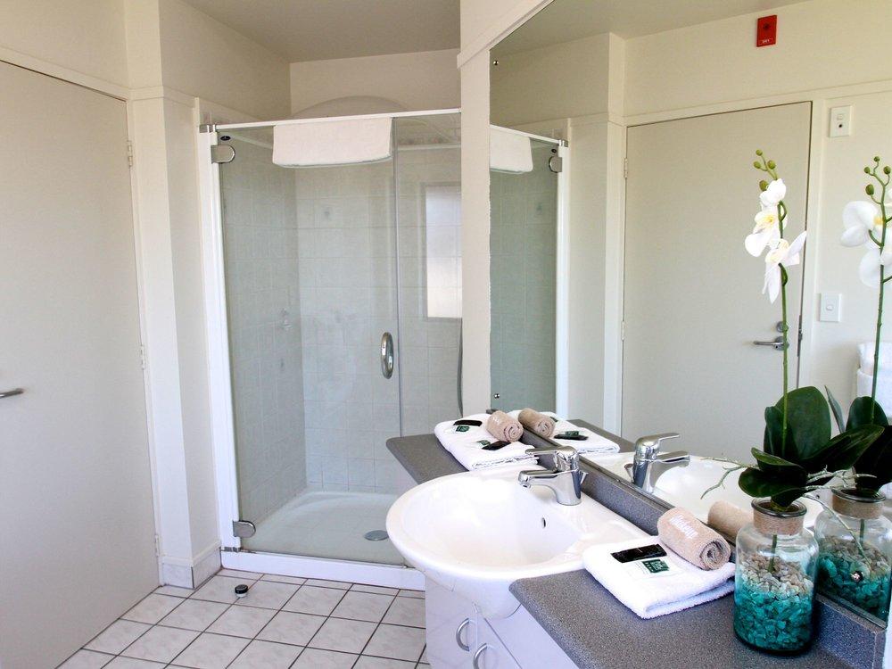 Beachcomber Hotel Standard Studio Bathroom (3).jpg
