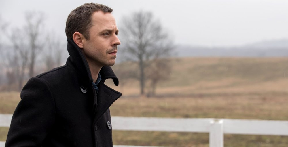 Sneaky Pete - Season 1 Review — The Open Theater