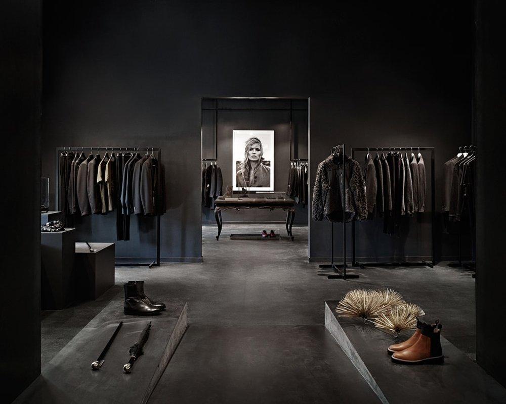 Foto: Einar Aslaksen, av 3. etasje i YME, en av Oslos mest spennende konseptbutikker.