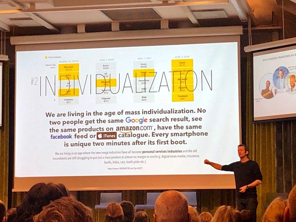 I delen som handlet om teknologi og digitalisering holdt Helge Tennø et svært inspirerende innlegg, som i det minste fikk meg til å tenke og bli mer bevisst hvordan de ulike digitale plattformene fungerer og hvordan teknologi kan brukes effektivt. Eller ikke.