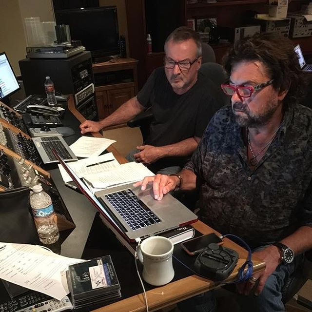 DNA Mastering's @davidjamesdonnelly working recently with the legendary @alanparsonsmusic on a project for Sony Music. #dnamastering #alanparsons #musicmastering
