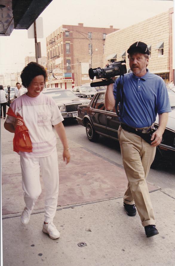 Camera journalist Skip Blumberg Chicago (1991)