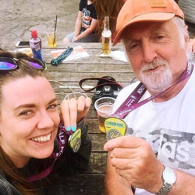 We're doubling up today for #medalmonday and belated #fathersday but luckily @hannahbananablog is here for both. Running races with your dad is 👍👍👍 #runtheworld