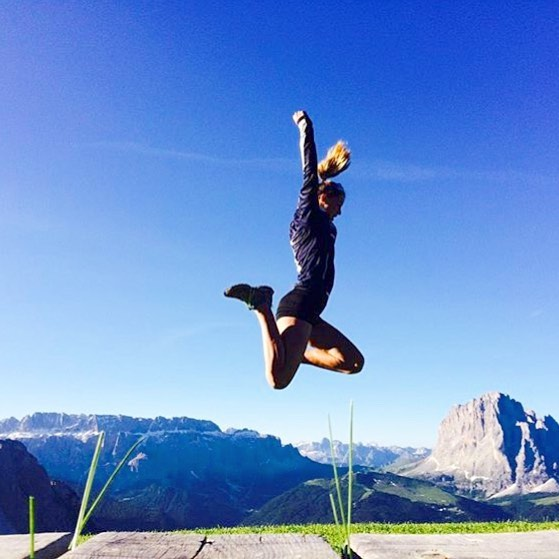 Jumping for joy on the longest day of the year @judithmoroder 🌞🌞🌞 #runtheworld #summersolstice